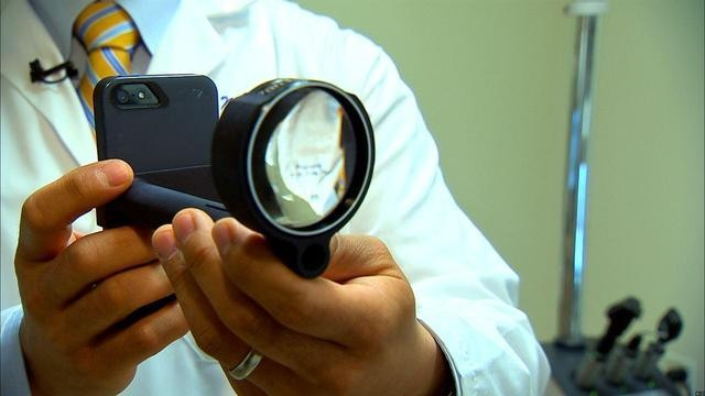 How the iPhone Is Zooming in on Eye Care