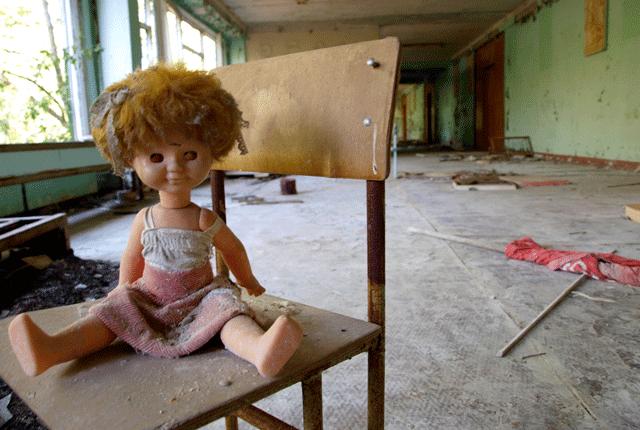 Dead-eyed dolls