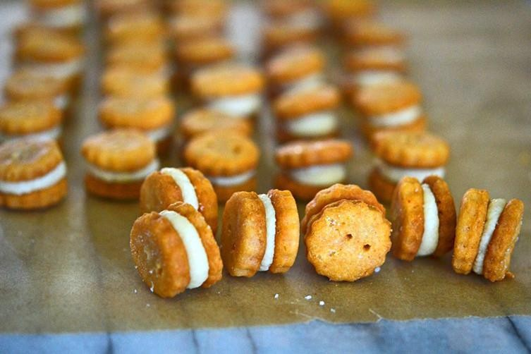 How to Make Cheese-Filled Ritz Bits Crackers
