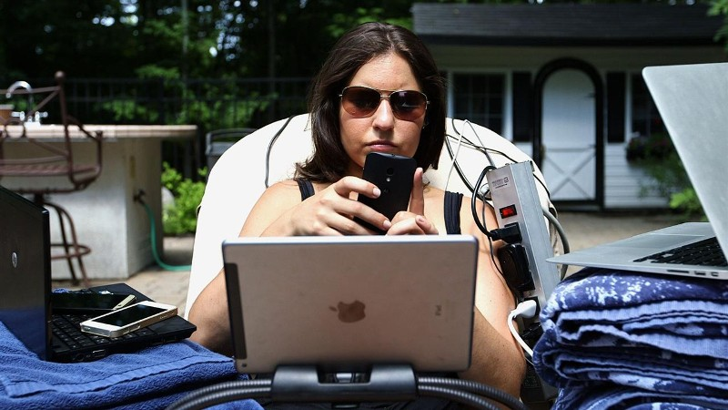 WATCH: To Help Unplug on Vacation, Use Tech
