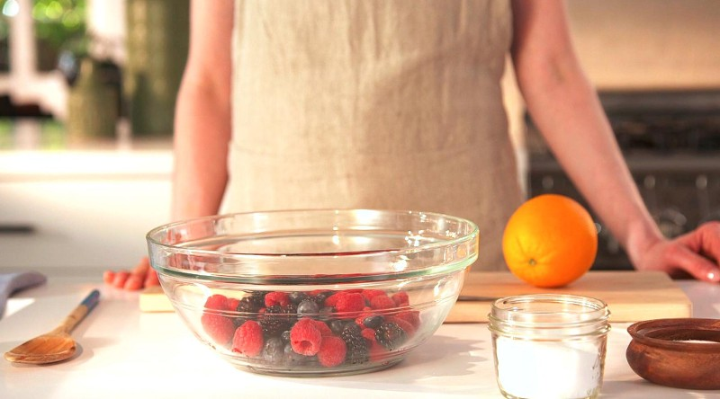 How to Macerate Berries