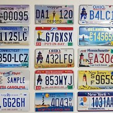 全美國只有12州出燈塔車牌經過12年收集總算大功告成決定把它讓出給其他車牌喜好著