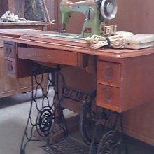 *阿柱的店*早期 懷舊  三菱 裁縫車 服飾復古擺飾 自取價