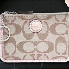 Coach 47219 淺粉紅色織布中款鑰匙包零錢包皮包捷運卡悠遊卡車票夾信用卡夾內三卡片夾層 免運費 愛Coach包包