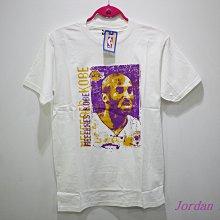 喬丹騎士 Majestic NBA Kobe Bryant 人像 白色 短袖T恤 老大 湖人 Mamba 8 24