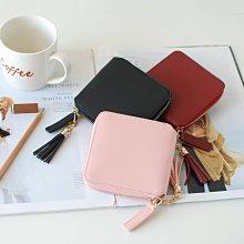 【里樂@ LeaThER】簡約方形流蘇拉鍊對折短夾 皮夾錢包卡夾 零錢包 640