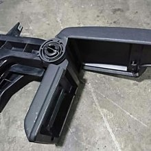 BMW. E46中央扶手 右駕日本外匯318 320 325 330