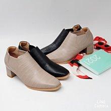 ♀️女:MIT格紋牛皮方楦直套式粗厚跟踝靴、粗厚跟踝靴、鬆緊帶踝靴、台灣製造真皮靴、方楦踝靴、全真皮粗跟靴、壓紋牛皮