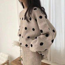 毛衣 減齡咔哇吚圓點蝙蝠袖保暖針織衫 艾爾莎【TAE8101】