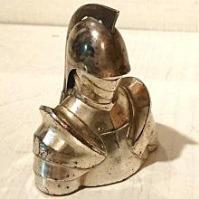西風((( 古董圓桌武士盔甲半身造型打火機 (美軍佔領日本時期製造)