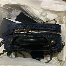 全新 Chanel vanity case 化妝箱 小包 17公分 藍黑色 金鍊 香奈兒包 方胖子 化妝包