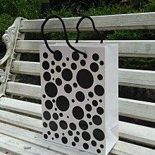 大號黑圓點白卡紙袋 每個12.6元,滿1000免運 牛皮紙袋 購物袋 手提袋30*10*40cm 50個630元