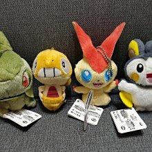 [絕版收藏]日本帶回正版授權非賣景品, 劇場版寶可夢POKEMON(神奇寶貝 口袋怪獸)收藏版絨毛玩偶,四隻一組不分售(比克提尼 ,牙牙,電飛鼠,滑滑小子)