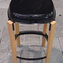 樂居二手家具館 便宜2手傢俱賣場 B0910GJ 鐵製木腳椅 沙發 茶几 新竹苗栗彰化戶外休閒桌椅 電腦書桌椅餐桌衣櫃