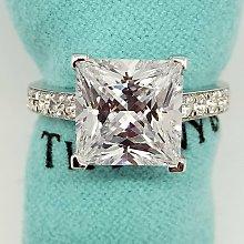 方型鑽石珠寶極光仿真鑽高碳鑽戒指3克拉公主方微鑲戒臂肉眼難辨真假鉑金質感特價優惠百年經典指環鉑金質感視同真鑽 莫桑鑽寶