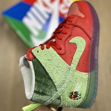 "NIKE SB Dunk Hi""Strawberry Cough"" 草莓 運動板鞋 男女鞋 CW7093-600"