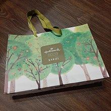買一送一 HALLMARK Babies 專櫃精品紙袋 自然綠色 禮物袋 經典LOGO 尺寸35*25*7CM 無汙損 狀況如照片 可與其他紙袋合併運費