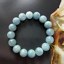 【開運如意閣】J357天然海水藍寶石~圓珠約14mm16顆~手圍約21公分~代表和平 愉悅 幸福~少見大顆寶石(盒2)