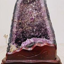 紫水晶晶洞 裡面有稀有方解石 火型招財