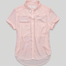 Maple麋鹿小舖 Abercrombie&Fitch * AF 淺粉橘領子珠珠設計雪紡短袖襯衫 *( 現貨M號 )