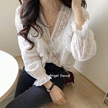 *Angel  Dance*蕾絲長袖上衣(白色)@韓國 法式風格 V領 泡泡袖 雕花鏤空 打底衫 白襯衫@現貨+預購