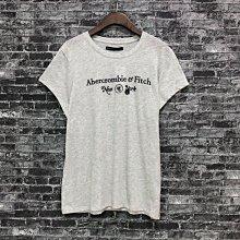 Maple麋鹿小舖 Abercrombie&Fitch * AF 淺灰色電繡字母短T * ( 現貨L號 )
