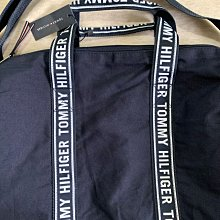 TOMMY HILFIGER 波士頓包(小款)健身包 圓筒包 小旅行袋