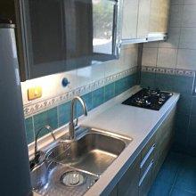 名雅歐化廚具240公分石英石檯面+下櫃F1木心桶身+上櫃F1木心桶身+四面美耐門板