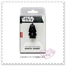 ♥小花花日本精品♥《Star Wars》星際大戰 黑武士 立體站姿造型 隨身碟 輕巧 隨插即用 多功能隨身碟 8GB