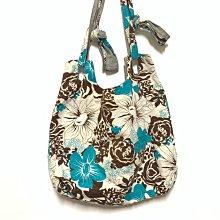 可調背帶長度/可變換肩背或斜背/度假風印花/布包包/大包包/容量大適合當媽媽包