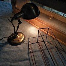 Little desktop  . average H 22 - 23 古桌燈 小桌燈 小關節燈