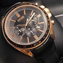 BOSS伯斯男錶,編號HB1513179,44mm玫瑰金圓形精鋼錶殼,黑色三眼, 精密刻度錶面,真皮皮革錶帶款