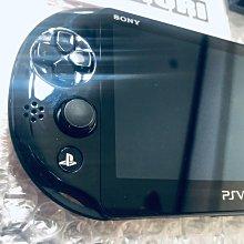 絕版PSV 2007主機+硬殼+香菇頭+新螢幕玻璃貼+初音掛繩+可改機3.65版本9成新 一年保修如照片所有的都附