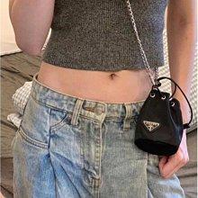 新款時尚 Prada 普拉達 水桶包 鏈條 零錢包 歐美 單肩 斜跨 包包 女迷你小包 鑰匙包