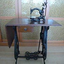 十九世紀 Willcox & Gibbs Sewing Machine威爾科克斯 & 吉布斯腳踩式縫紉機