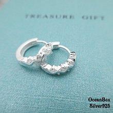 ☆§海洋盒子§。燦耀晶鑽。亮面波紋曲線晶鑽造型易扣耳環 OB6128(A)《925純銀》