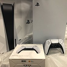 PS5 光碟版台灣公司貨 現貨一台(含遊戲3片/另加手把一隻)/中永和、大台北地區可面交
