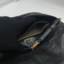 【皮老闆二店】二手真品 MARC JACOBS 手拿包 肩背包 陵格紋 狀況不錯 LAMPO拉鍊 U208