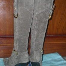 ☆甜甜妞妞小舖 ☆日本專櫃品牌全新 CLEAR IMPRESSION 灰色雞皮金釦環高跟尖頭長靴 ---L號