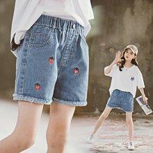 小圖藤童裝~~~中大童~~~女童牛仔短褲2021夏季新款中大童刺绣草莓褲(A2640)