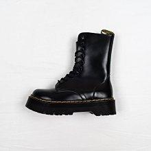 Dr. Martens 1490 10孔 黑色 硬皮 厚底 經典款 馬汀靴 女鞋