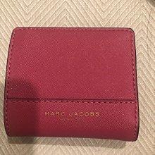Marc Jacobs 桃紅色荔枝皮 短夾 平面夾 證件夾