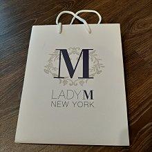 現貨 LADY M 品牌紙袋 禮物袋 環保袋 經典白 全新品 尺寸25*20*12 CM 無破損刮痕 詳細狀況如照片
