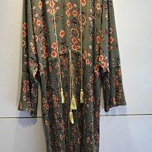 ++特價++新品入荷 無敵美的~穿到腳踝長度~復古圖騰流蘇設計縫製百摺長版洋裝(綠)質感超好~是雪紡紗的材質