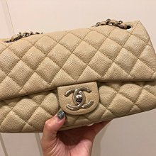 Chanel米色荔枝皮側背包(已售)