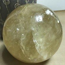 天然原礦冰洲水晶球/琥珀色澤/直徑16cm/3.5kg
