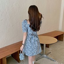 小清新碎花連衣裙女夏季新款法式初戀甜美泡泡袖小個子短裙子