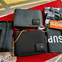 「i」【現貨】Superdry 極度乾燥 多卡零錢袋 logo 三折 雙折 拉鍊零錢包 短夾 皮夾 錢包 情人送禮