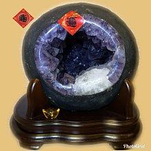 🏆【168 精品】🏆 巴西頂級紫晶洞重7.5kg 寬22cm高22cm 洞深11cm.大角紫、大方解石【C67】