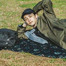 日本KIU 236-184 波斯格紋 防水野餐墊 附收納袋